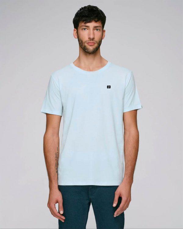camiseta azul celeste